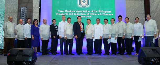 The association's newly inducted officers and directors with BSP Deputy Governor Espenilla Jr.